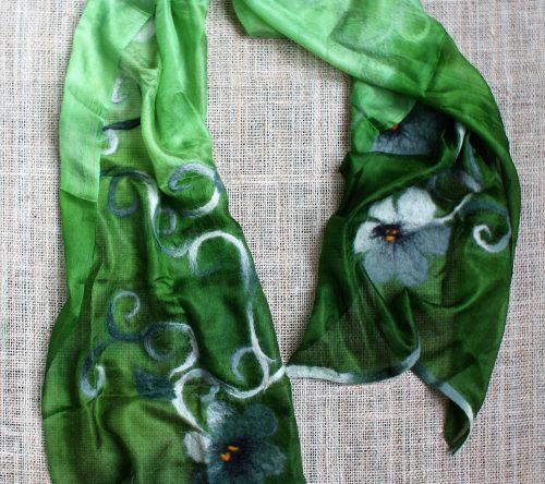 Seidenschal grün geblumt