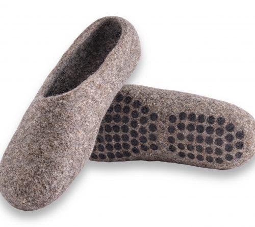 pantoffeln aus wolle grau handgemacht