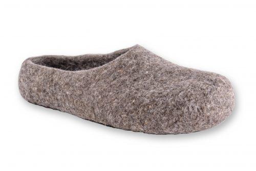 pantoffeln aus wolle grau handgemacht 1