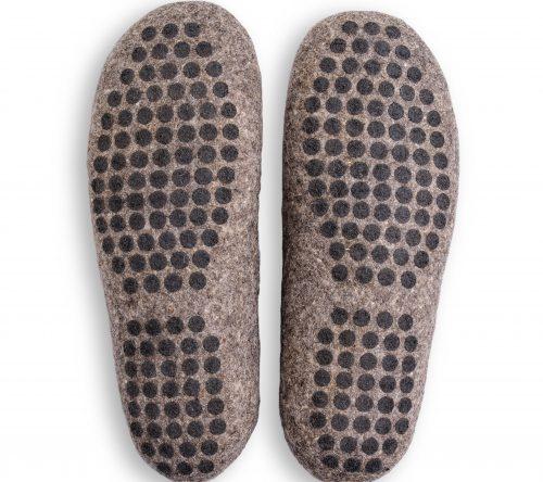 pantoffeln aus wolle grau handgemacht 2