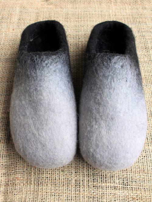 Filzhausschuhe schwarz-weiß mit Sohle 4