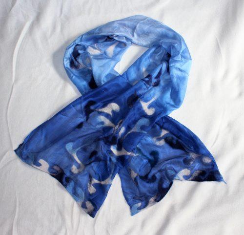 Seidenschal mit Wolle blau