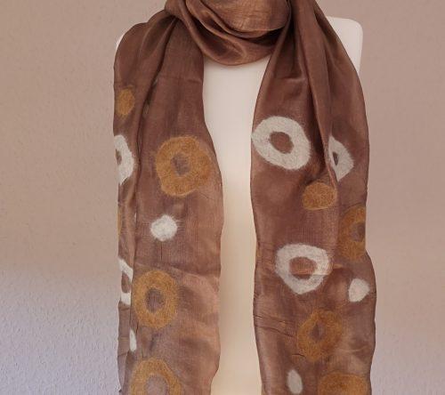 Schal aus Wolle und Seide braun